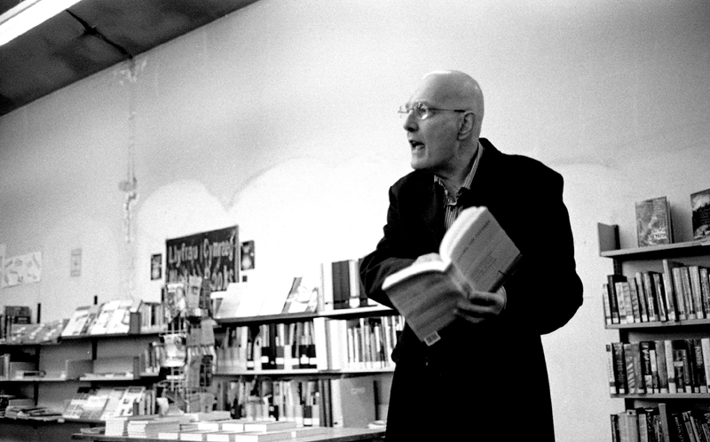 Peter Finch at Roath Library Dec 2013